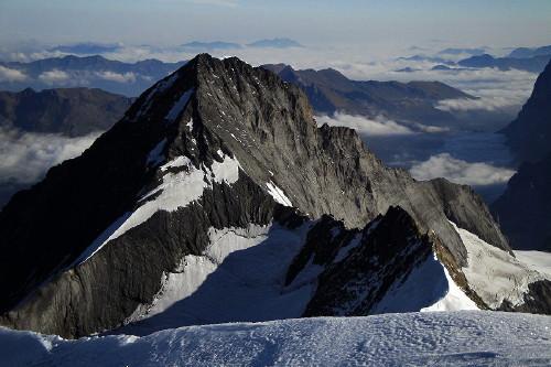 EIGER (3.970m) desde la cumbre del Monch (4.107m)