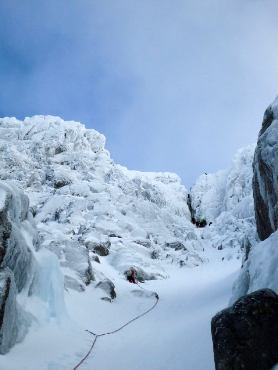 BEN NEVIS 1.344m - Cara Norte - Glovers Chimney (III, 4, 200m) #15