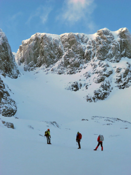 BEN NEVIS 1.344m - Cara Norte - Glovers Chimney (III, 4, 200m) #25