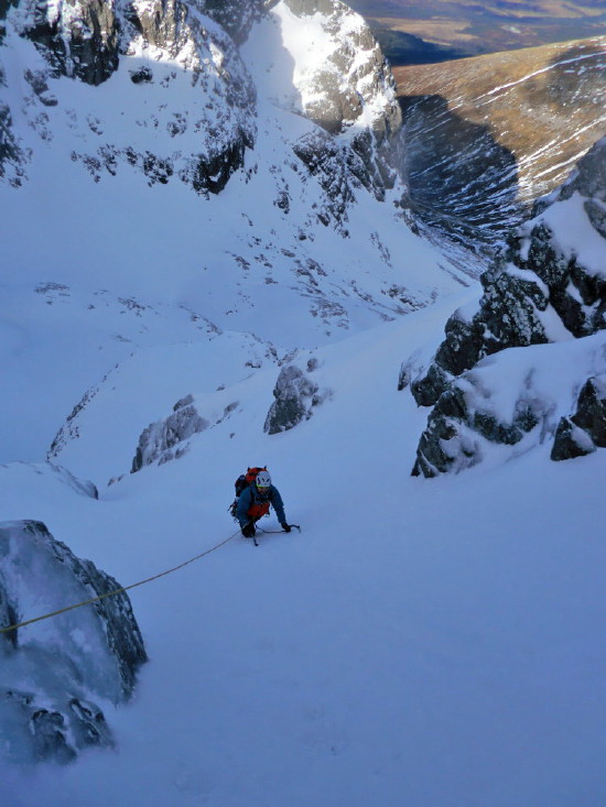 BEN NEVIS 1.344m - Cara Norte - Glovers Chimney (III, 4, 200m) #31
