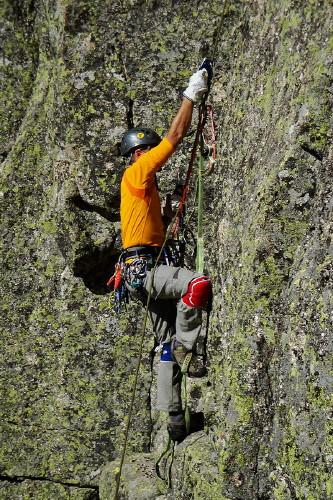 Ascendiendo por cuerdas fijas
