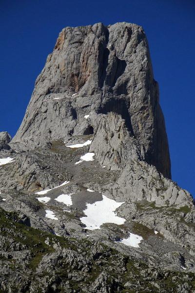 Cara norte del Naranjo de Bulnes - Picos de Europa - 4 Junio 2010