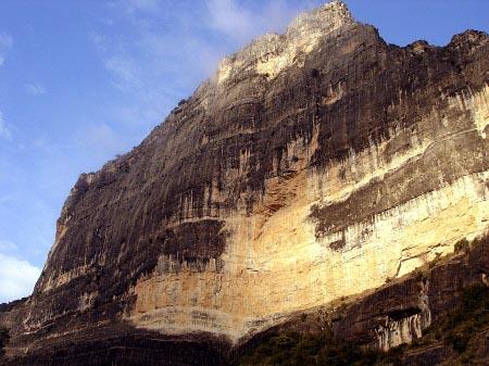Roca regina gali molero gu as de escalada de grandes for Roca de guia