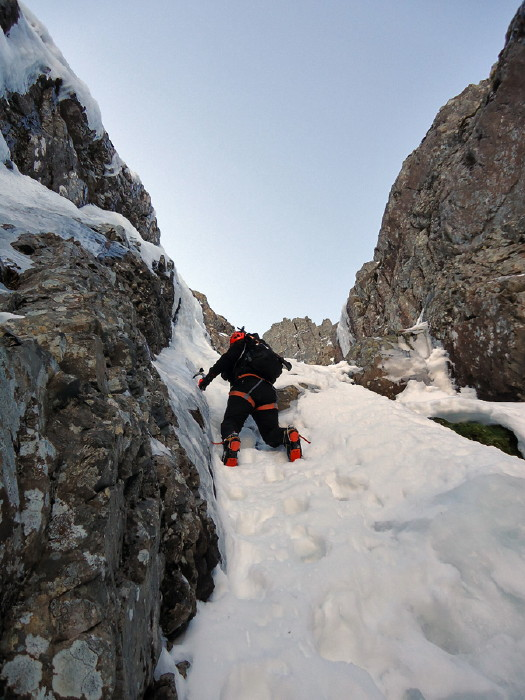 BEN NEVIS 1.344m - Cara Norte - South Castle Gully (II, WI2,210m) #08