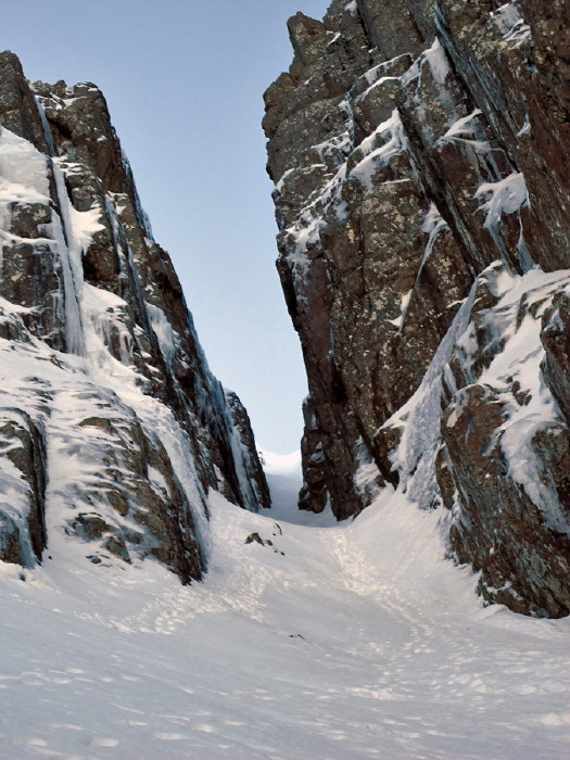 BEN NEVIS 1.344m - Cara Norte - South Castle Gully (II, WI2,210m) #09
