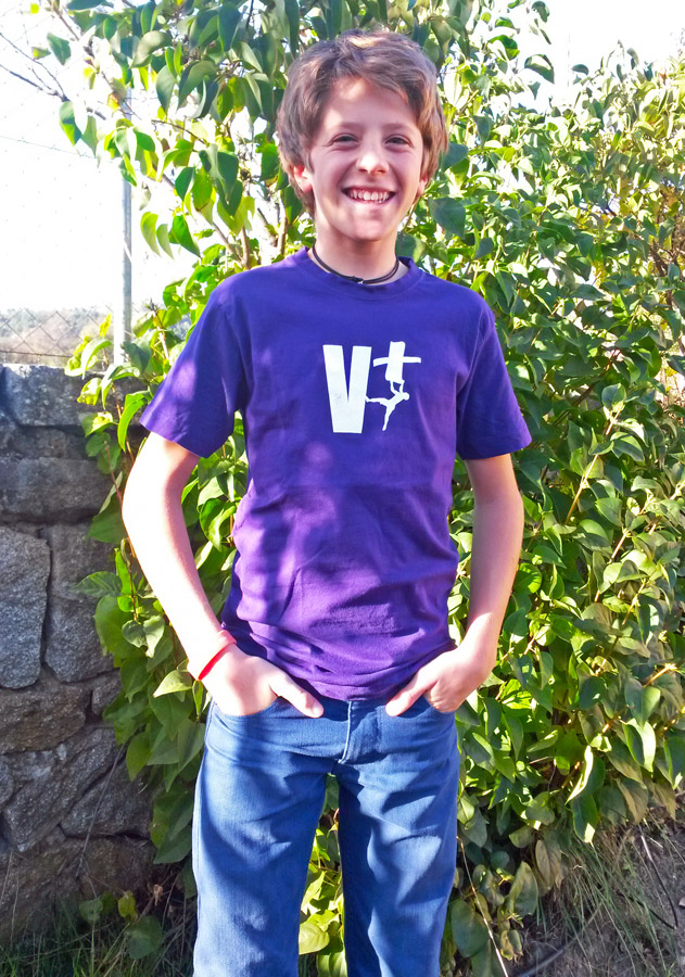 Camiseta V+ morada
